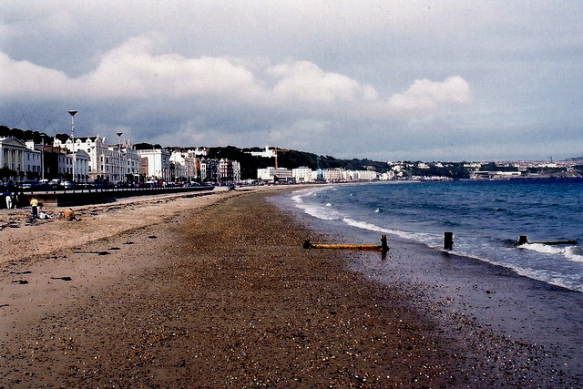 Douglas - Central Promenade - Beach to northeast