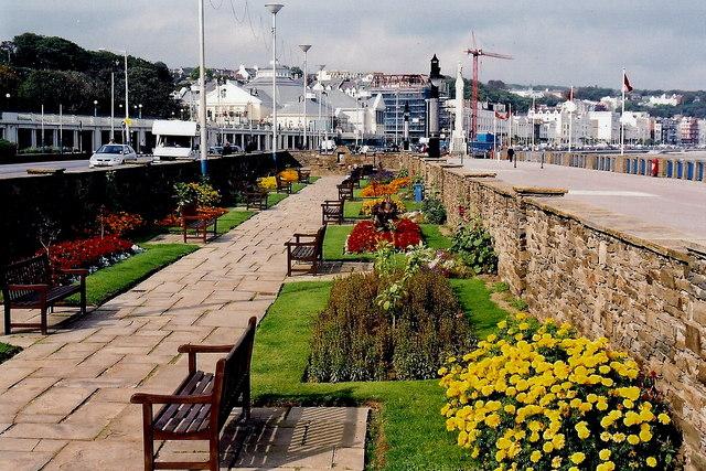 Douglas - Harris Promenade - Villa Marina to north