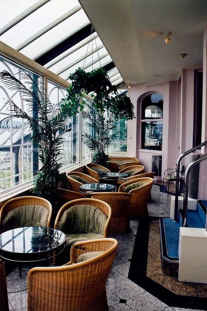 Douglas - Central Promenade-Empress Hotel Lounge