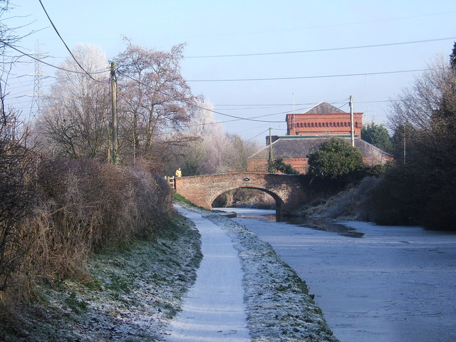 Staffordshire & Worcestershire Canal - looking northeast to Hinksford Bridge (No. 38)