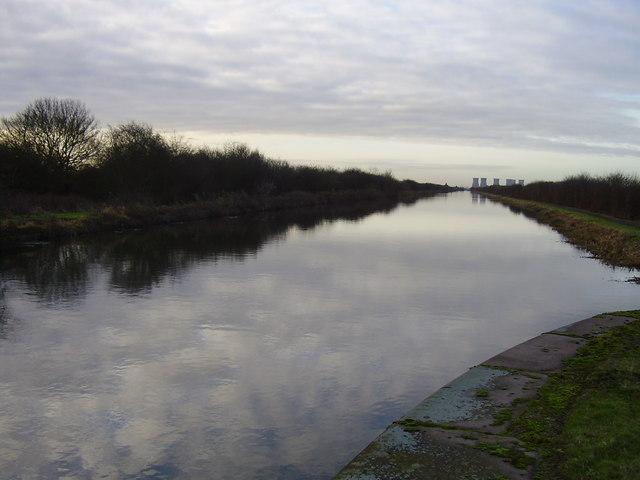 Canal near Smallhedge farm.