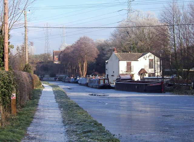 A frosty morning on the Staffordshire & Worcestershire Canal