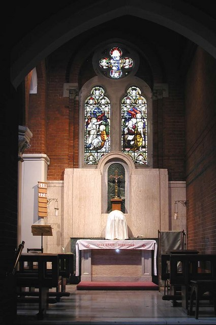Sacred Heart of Jesus, Eden Grove, London N7 - Chapel