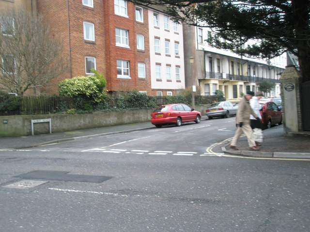 Junction of Albert Road and the High Street