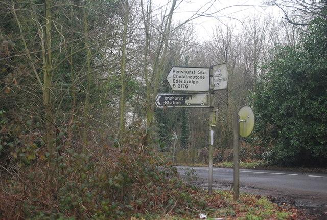 Roadsign, junction of Penshurst Rd & Station Hill