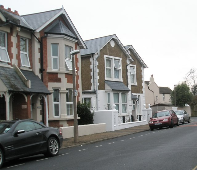Houses in Glamis Road