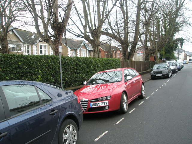 Parked cars in Glamis Road