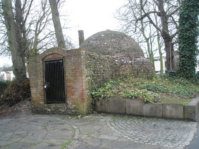 Ice house in London Road