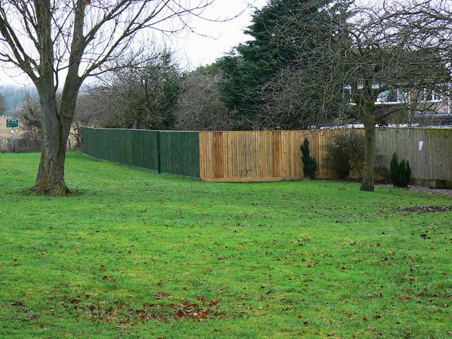 A significant garden fence, Barra Close, Highworth, Swindon