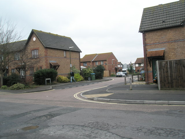 Approaching the junction of Spencer Street and Gibson Way