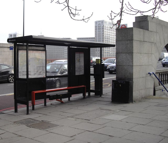Bus stop on north side of Vauxhall Bridge