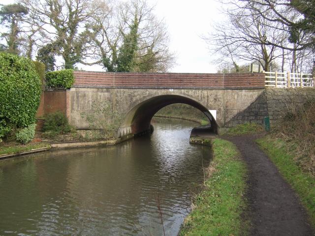 Stratford Canal - Bridge 31