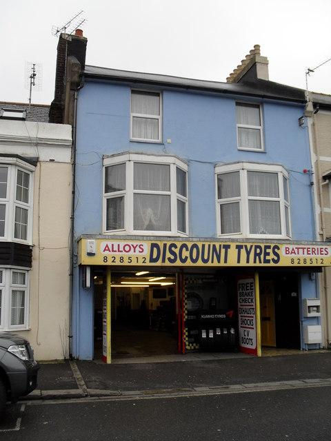 Discount Tyres in west Street