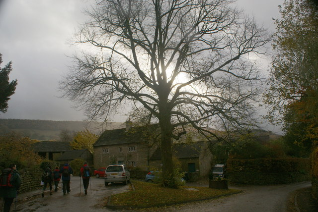 The sun breaks through at Beeley