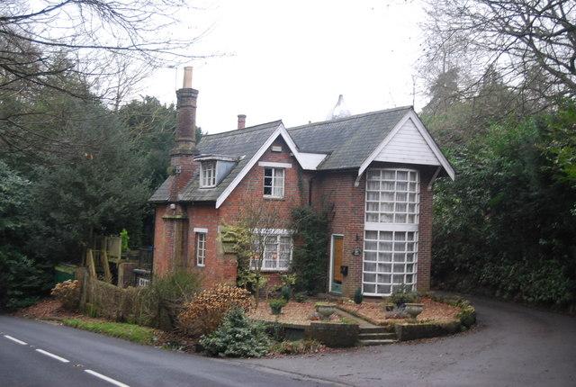Lodge, Penshurst Place Estate