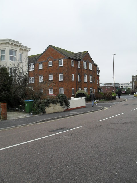 Approaching the junction of West and Chapel Streets