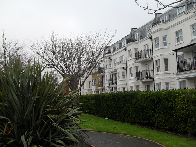 Houses in The Steyne as seen from Steyne Gardens (2)