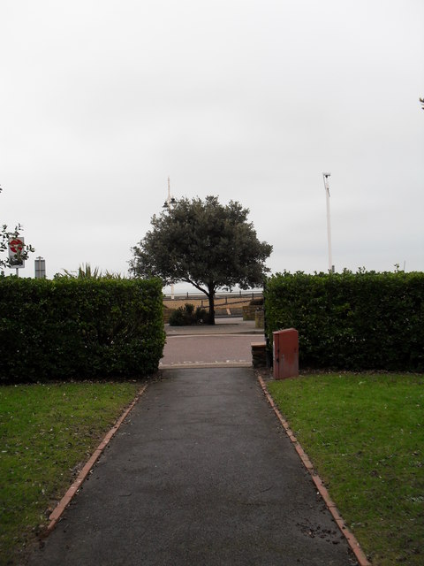 Far southern end of Steyne Gardens