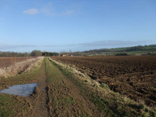 Jurassic Way, looking along the Welland Valley towards Kilthorpe Grange