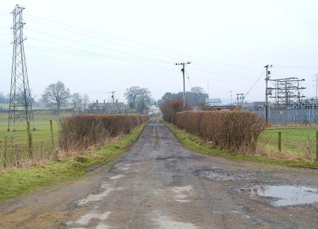Farm track towards Ty'n-y-cefn