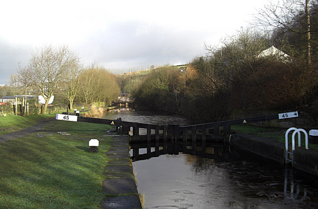 Pike House Lock no 45 Rochdale Canal