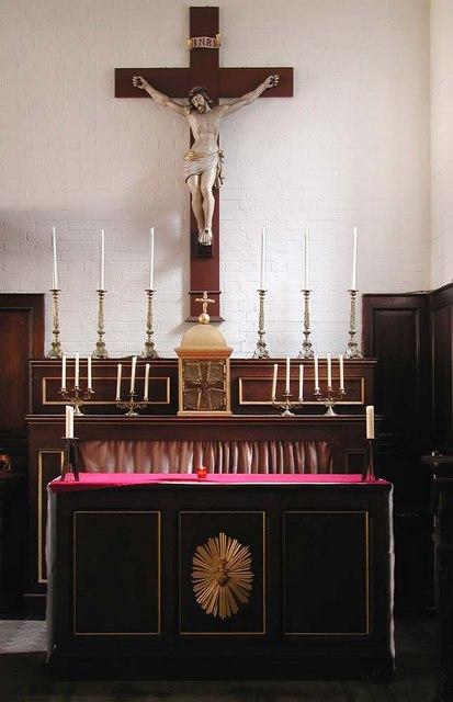 St Peter, Southfield Road, London W4 - Chapel