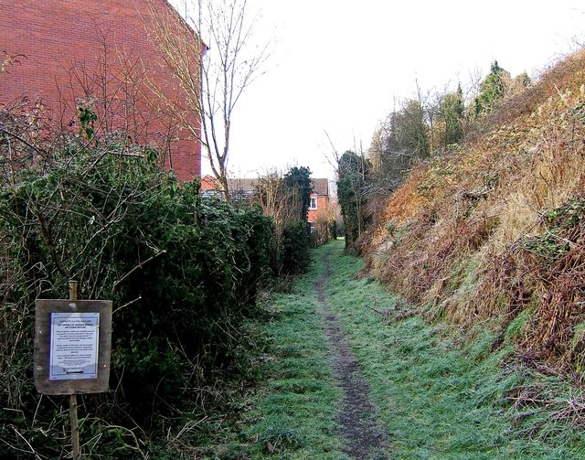 Footpath from Timber Lane to Leapgate Country Park