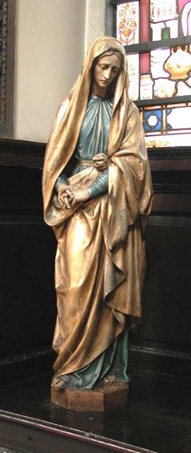 St George, Bloomsbury Way, London WC1 - Statue