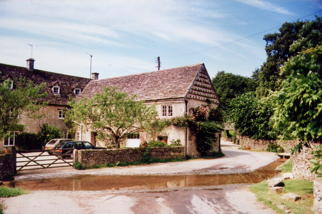 Duntisbourne Leer