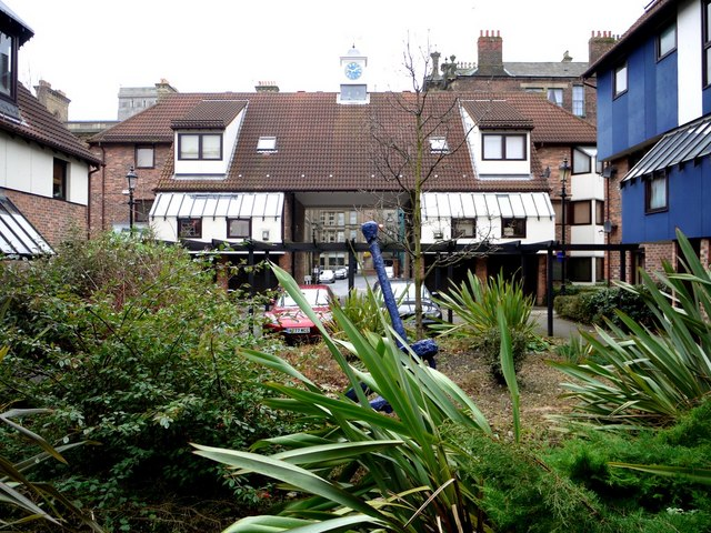 Peppercorn & Blue Anchor Courts, Broad Garth