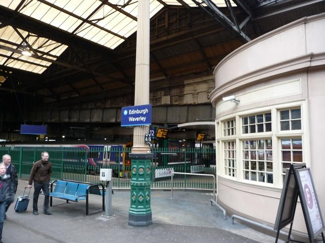 Building on Platform 11, Edinburgh Waverley station