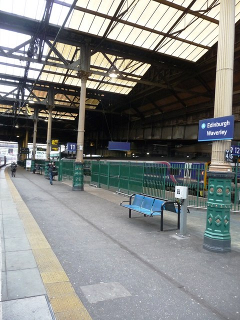 Platform 11, Edinburgh Waverley station