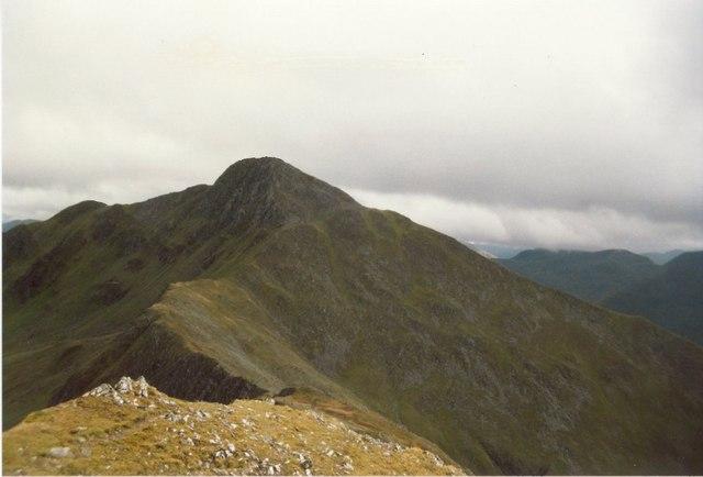 The southern ridge of  Sgùrr nan Saighead, looking to Sgurr Fhuaran
