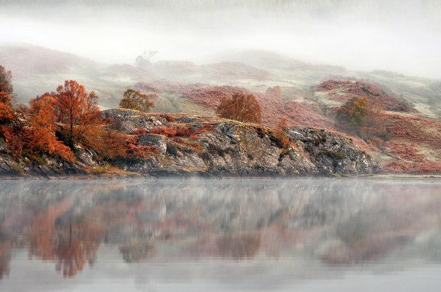Misty autumn reflections on Loch Iubhair