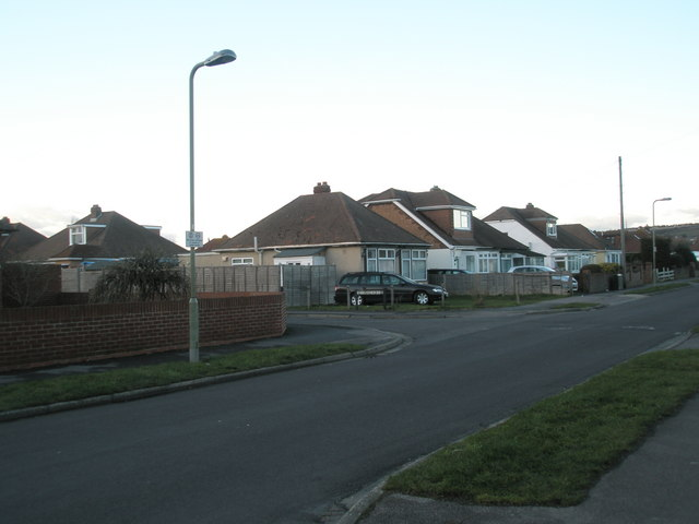 Approaching the junction of  Bayly Avenue and Cooper Grove