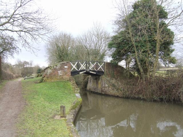 Stratford Canal - Bridge 38