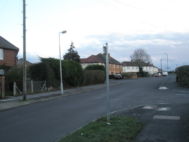 Approaching the junction of  Bayly Avenue and Denville Avenue