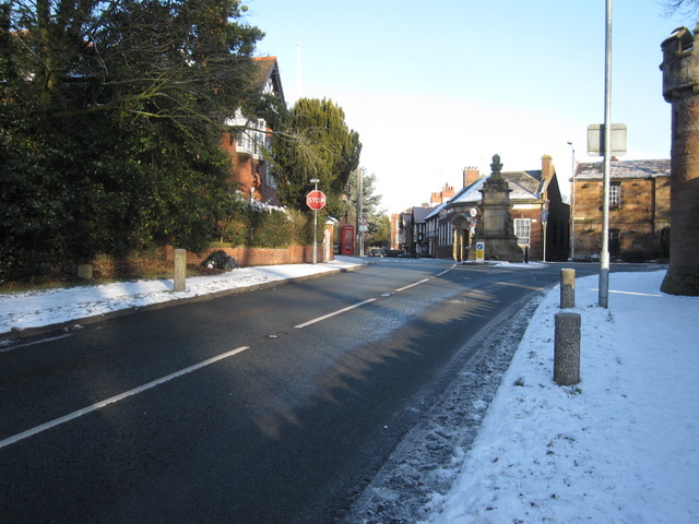 The A550 up to Hawarden Fountain