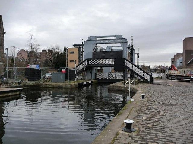 Leamington lift bridge on the Union Canal