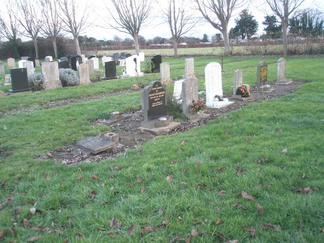 Portchester Cemetery on a January afternoon (5)