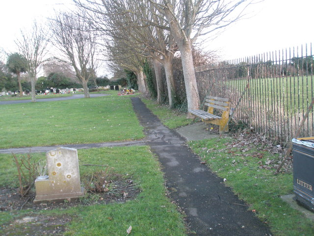 Portchester Cemetery on a January afternoon (6)