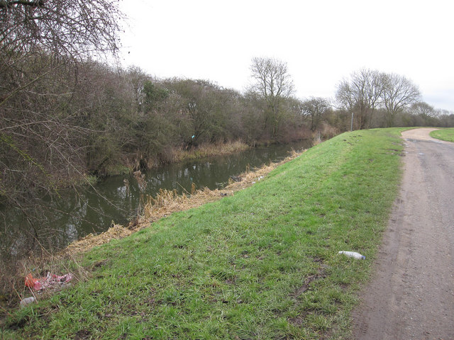 Footpath along Forty Foot Drain
