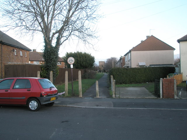 Looking from Bayly Avenue along the Wicor Path