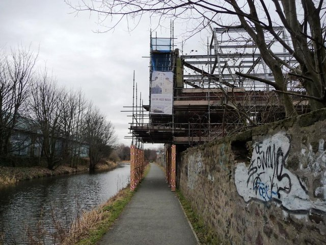 Scaffolding on the Union Canal towpath
