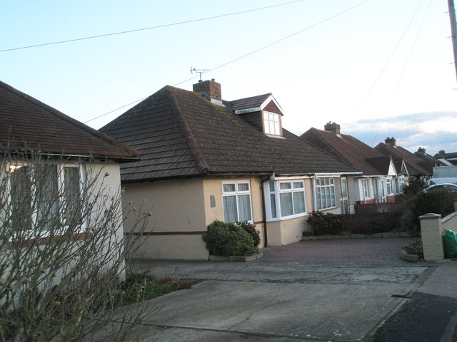 Lonsdale Avenue housing