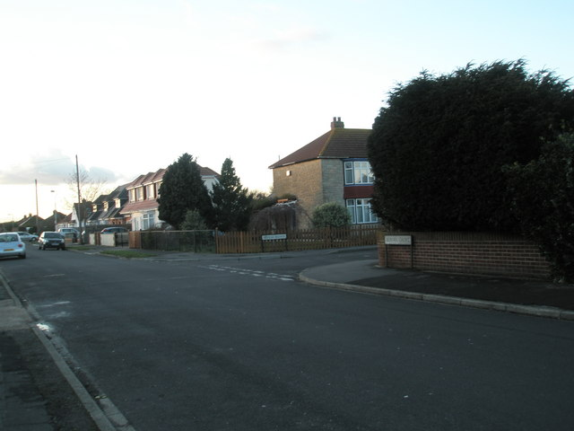 Approaching the junction of  Roman Grove and Neville Avenue