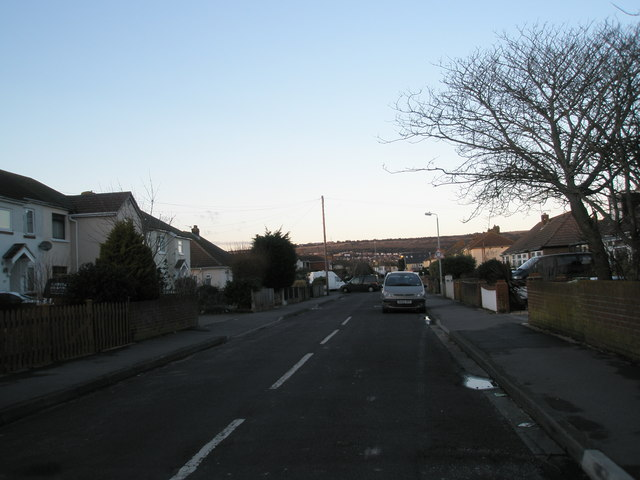 Looking northwards up Neville Avenue