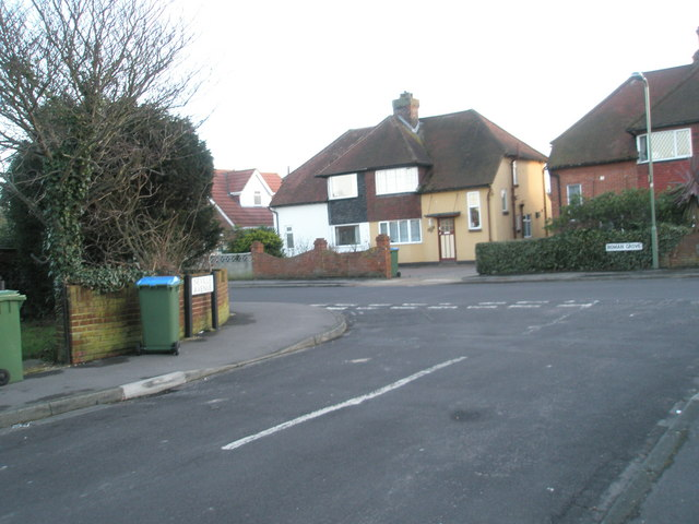 Looking from Neville Avenue into Roman Grove