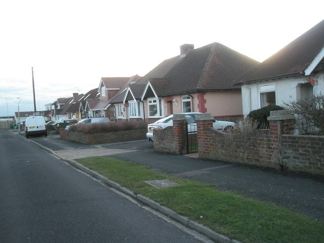 Houses at the far end of Lansdown Avenue