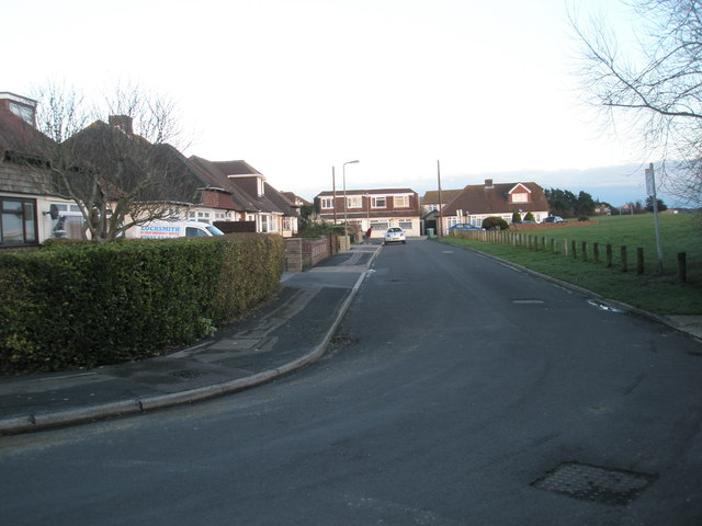 Looking from Lansdown Avenue along The Beachway